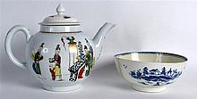 AN 18TH CENTURY WORCESTER PORCELAIN TEAPOT AND COVER painted with figures,