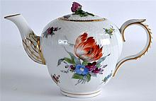 AN EARLY 19TH CENTURY ROYAL COPENGAEN TEAPOT AND C