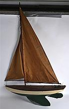 A MID 20TH CENTURY PAINTED SAILING POND YAUCHT wit