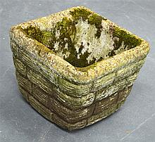 A SMALL GARDEN PLANTER. 1Ft 3ins wide.