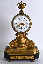 A MID 19TH CENTURY FRENCH ORMOLU MANTEL CLOCK the