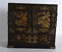 A LATE 19TH CENTURY JAPANESE MEIJI PERIOD LACQURED