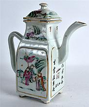 AN EARLY 20TH CENTURY CHINESE FAMILLE ROSE TEAPOT