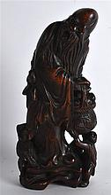 A GOOD CHINESE QING DYNASTY CARVED BAMBOO FIGURE O