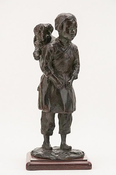Gustav Adolphe Hierholtz, (1877-1948), Asian Mother and Child, bronze, 12