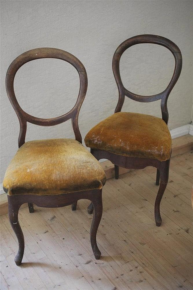 Paire de chaises dossier m daillon ajour for Chaise medaillon enfant
