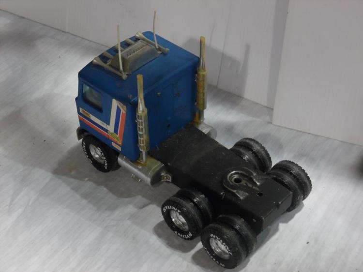 18 Toy Trucks : Gmc astro wheeler toy truck