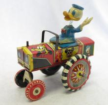 Marx Walt Disney Donald Duck Bobblehead Tin Litho Wind Up Toy Tractor 5.75