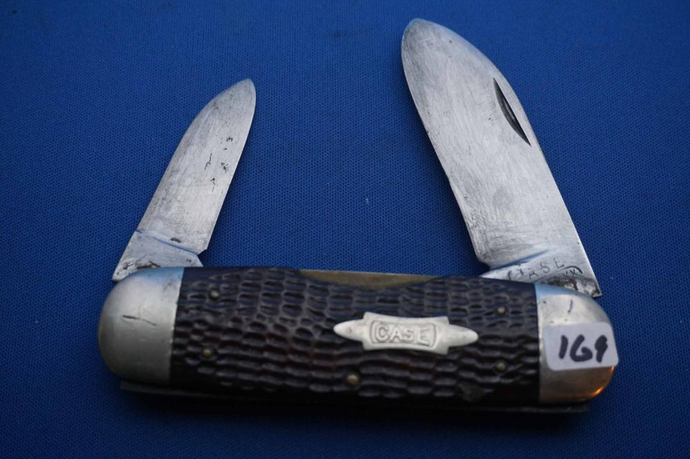 Case Folding Knife, Sunfish Pattern, chip in handle