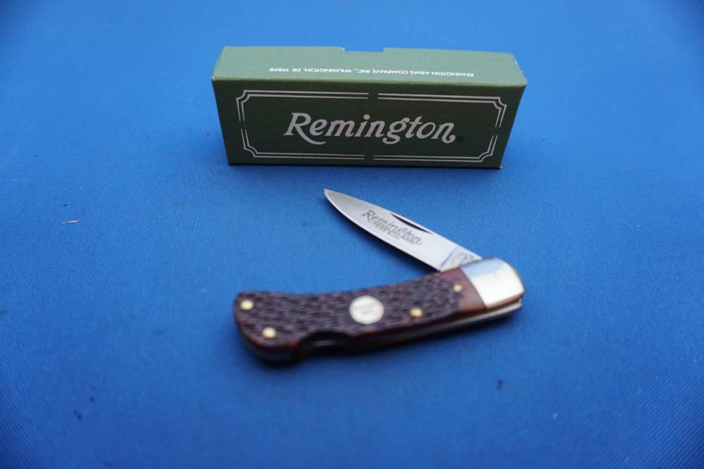 6 Remington 1990 Gentleman's R5 Single Blade Pocket Knives, New in Box with Stock Box