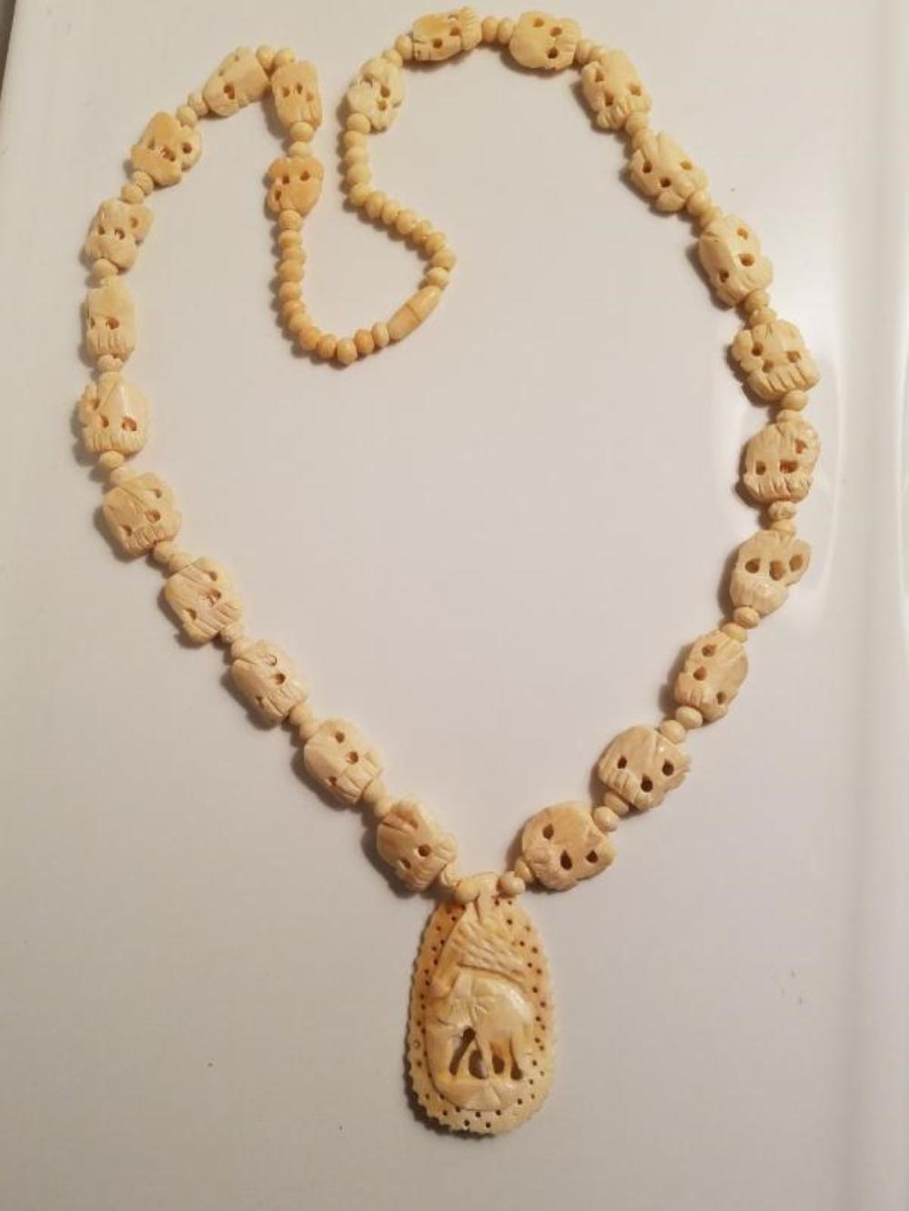 Vtg Hand Carved Bovine Bone Necklace And Pendant Elephants