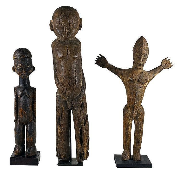 Trois statues LOBI. Burkina Faso. Deuxième moitié du XXe