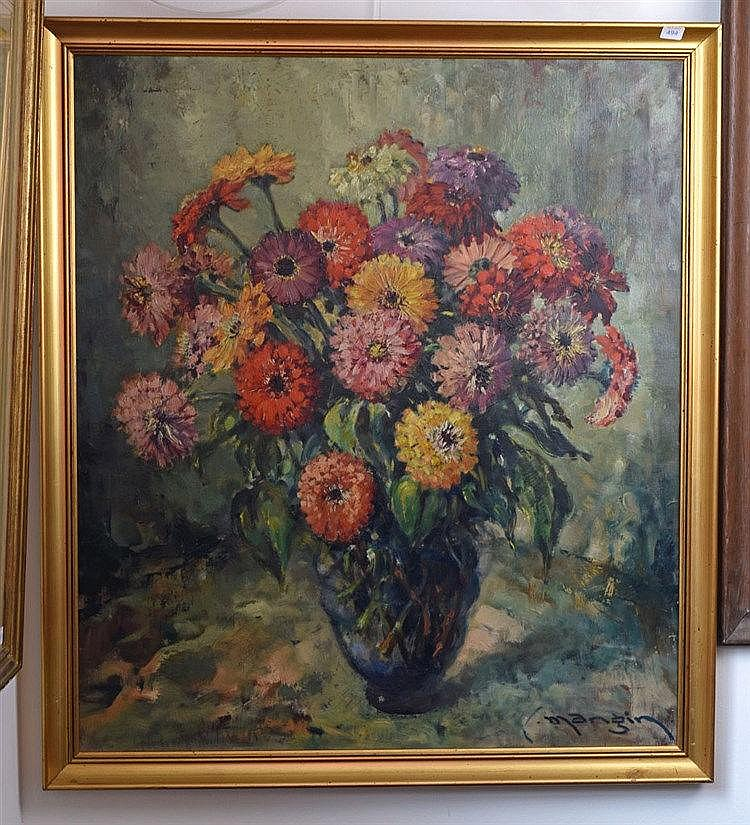 Nature morte aux fleurs. Huile sur toile. Signé en bas à droite. 70 x 65 cm