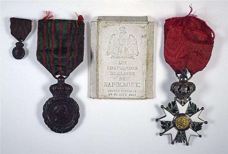 Médaille de Saint-Hélène et sa miniature, Légion d'honneur au portrait d'He