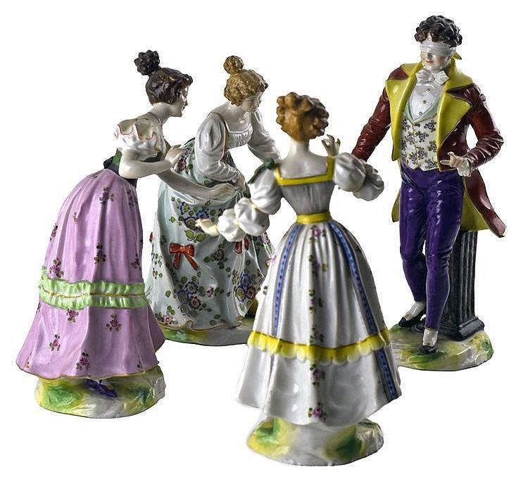 Porcelaine de Saxe. Nous y joignons 3 figurines en porcelaine; travail alle