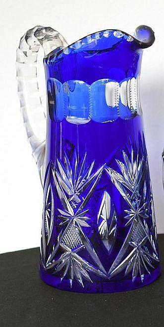Pichet à motif géométrique bleu roi hauteur 17 cm, diamètre 8,50 cm