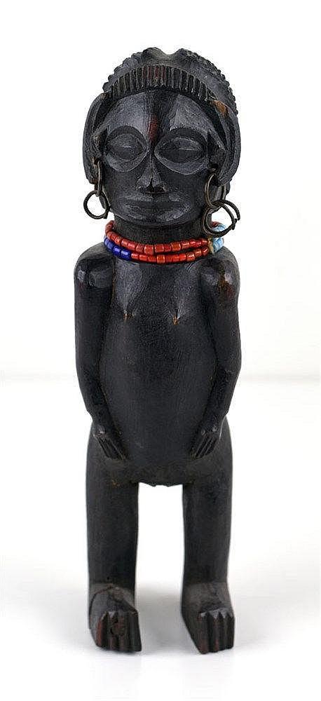 Petite statue CHOKWE. Congo. Deuxième moitié du XXe