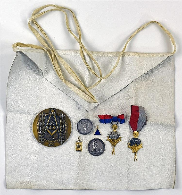 Trois médailles modernes (De la Vérité à L'O de Rouen, Des Disciples de St