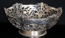 Silver Footed Pierced Fruit Bowl, Fully Hallmarked For Sheffield X 1915 , Makers Mark For John Round & Son Ltd , Diameter 10 Inches, Weight Approx 708g