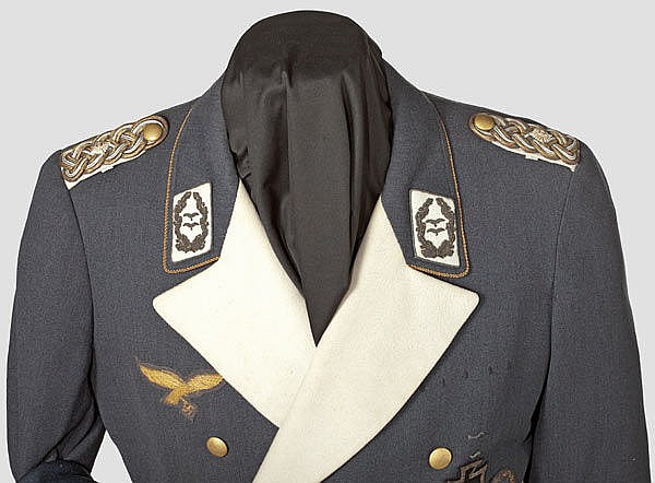 LUFTWAFFE - A dinner dress uniform of Generalleutnant a D  F