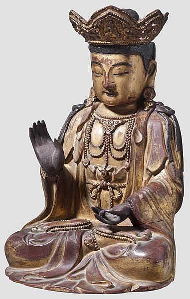 A Chinese figure of Guanyin, late Qing period