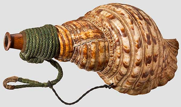A hora (conch), late Edo period
