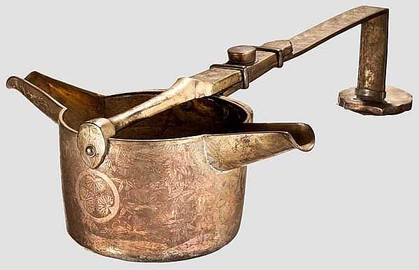 A sake kettle, Meiji period