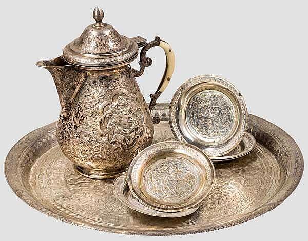 Silbernes Tellerset und Kännchen, Ägypten und Persien, 1. Hälfte 20.Jhdt.