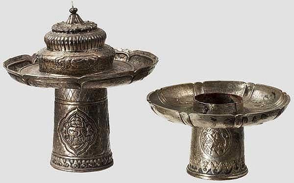 Zwei silberne Lampen, Tibet, 19. Jhdt.