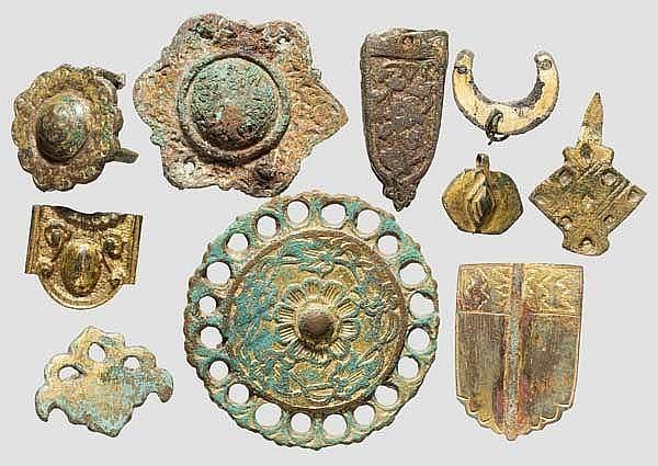 Zehn vergoldete Beschläge, osmanisch, 16. - 17. Jhdt.