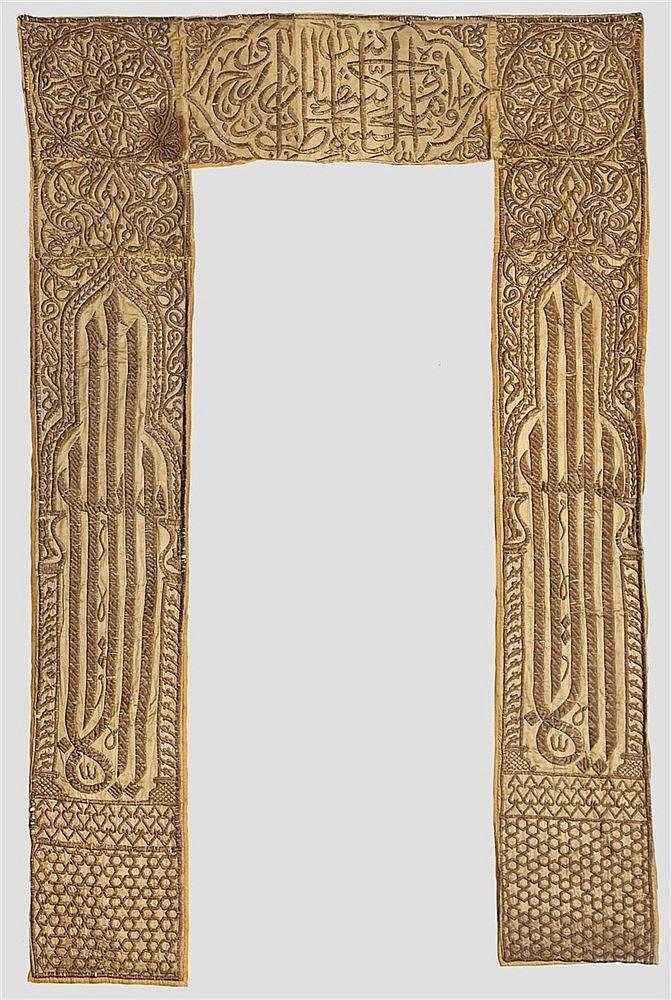 Bestickter Türbehang für eine Moschee, osmanisch um 1900
