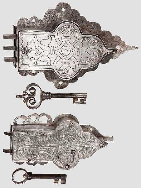Zwei Schrankschlösser, süddeutsch um 1700