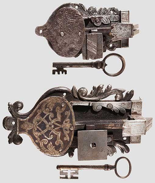 Zwei Schrankschlösser, süddeutsch um 1730