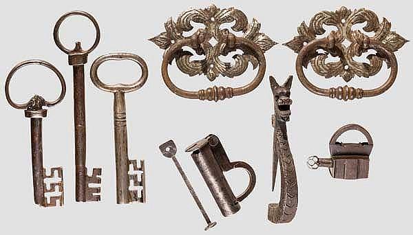 Konvolut Schlösser, Schlüssel und Beschläge, 17. - 19. Jhdt.