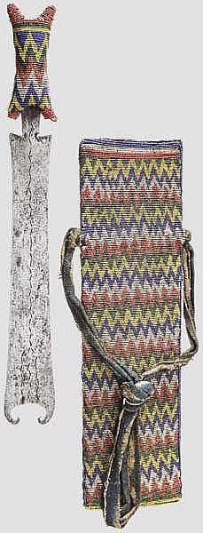 Glasperlenverziertes Schwert, Kamerun, Westafrika
