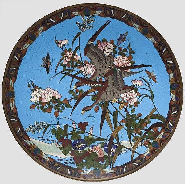 Cloisonné-Teller, Japan, späte Meiji-/frühe Taisho-Periode