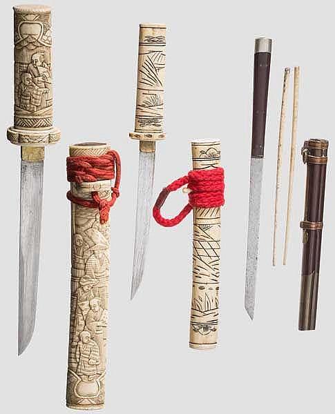 Zwei Beintantos und ein Essbesteck, Japan bzw. China, Ende Edo-Periode