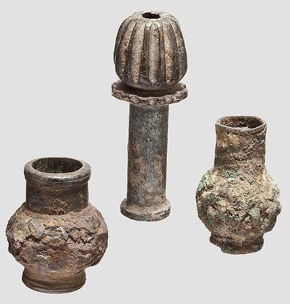Drei altorientalische Keulenköpfe, 2. - frühes 1. Jtsd. v. Chr.