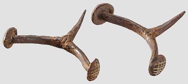 Zwei perfekt erhaltene Sporen aus Eisen, spätkeltisch, 2. - 1. Jhdt. v. Chr.