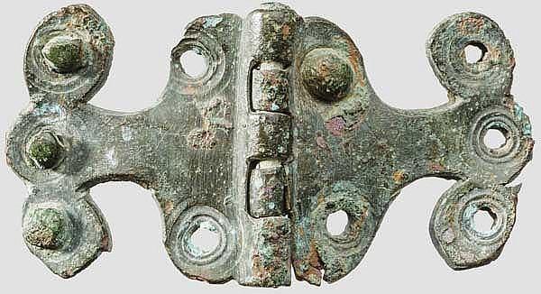 Profiliertes Bronzescharnier von Lorica Segmentata, römisch, 1. Jhdt.