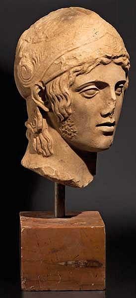 Marmorkopf eines jugendlichen Kriegers mit attischem Helm, nach Vorbild des Mars Borghese