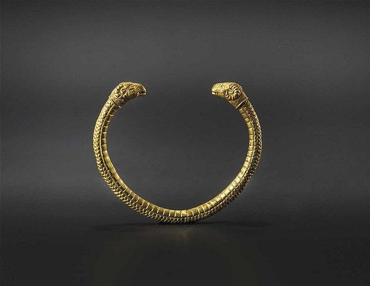 A Greek ram-headed gold bracelet, 5th century B.C.