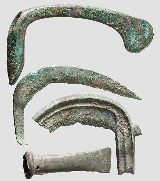 Bronzebeil, Vorderasien, Tüllenbeil und Sicheln aus Bronze, Mitteleuropa