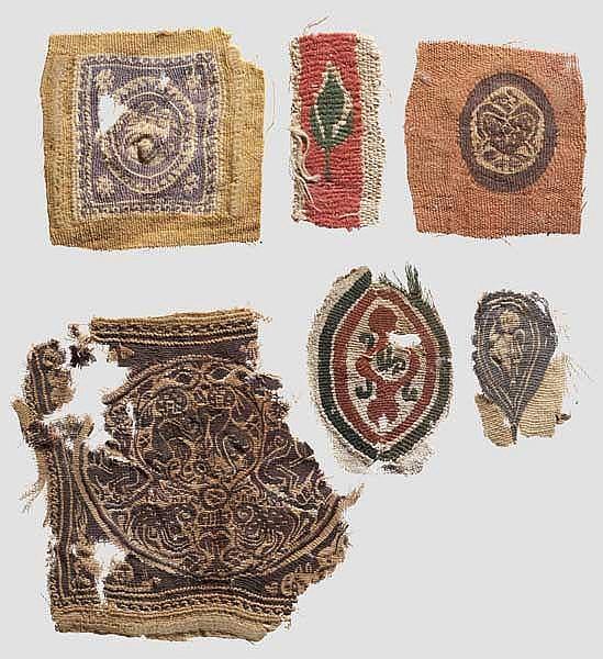 Sechs spätantike Textilfragmente mit figürlicher Darstellung, koptisch, 5. - 6. Jhdt.