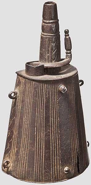 Eiserne Pulverflasche, Brescia um 1600