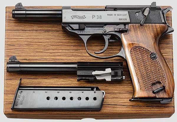 Walther P 38 mit Wechsellauf, Jubiläumsmodell, Ganzstahl poliert, im Karton