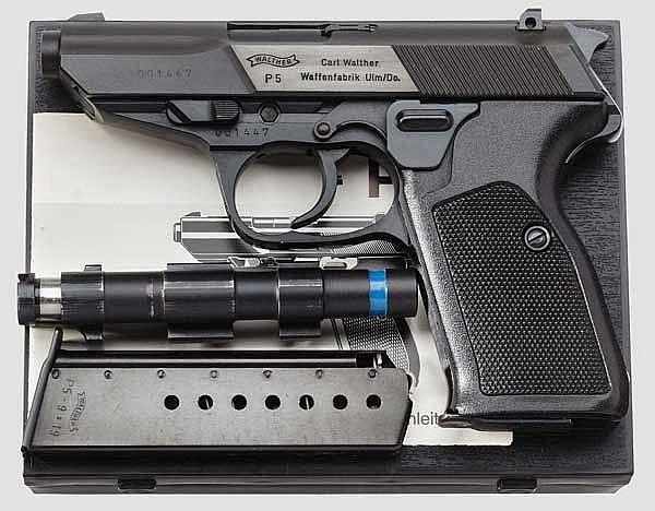 Walther P 5 und Versuchs-Trainigslauf, im Karton