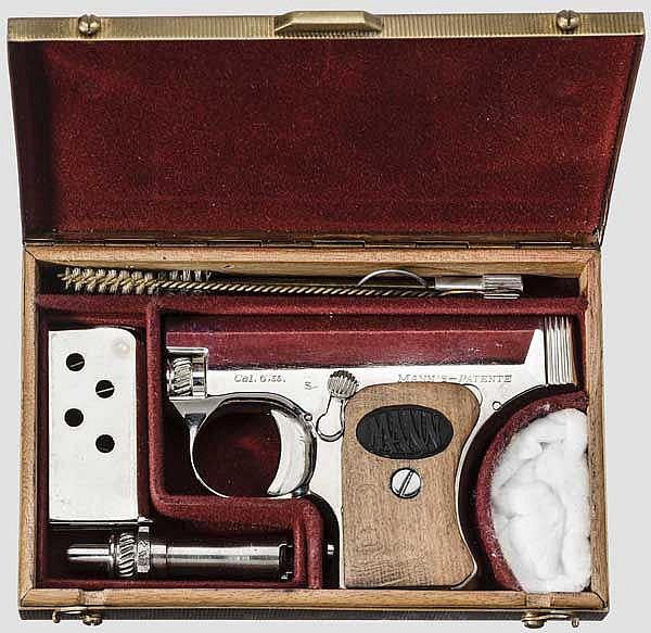 Pistole Mann, mit Wechsellauf, vernickelt, im Etui