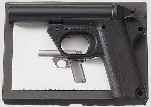 Signalpistole Heckler & Koch P2 A1, im Karton