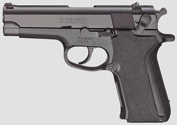 Smith & Wesson Mod. 915,